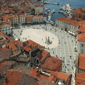 Vabljeni na otvoritev razstave Dan v Sredozemlju na Tartinijevem trgu